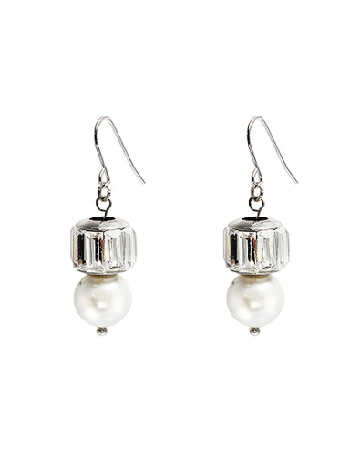 Pearl Hook Drop Earring