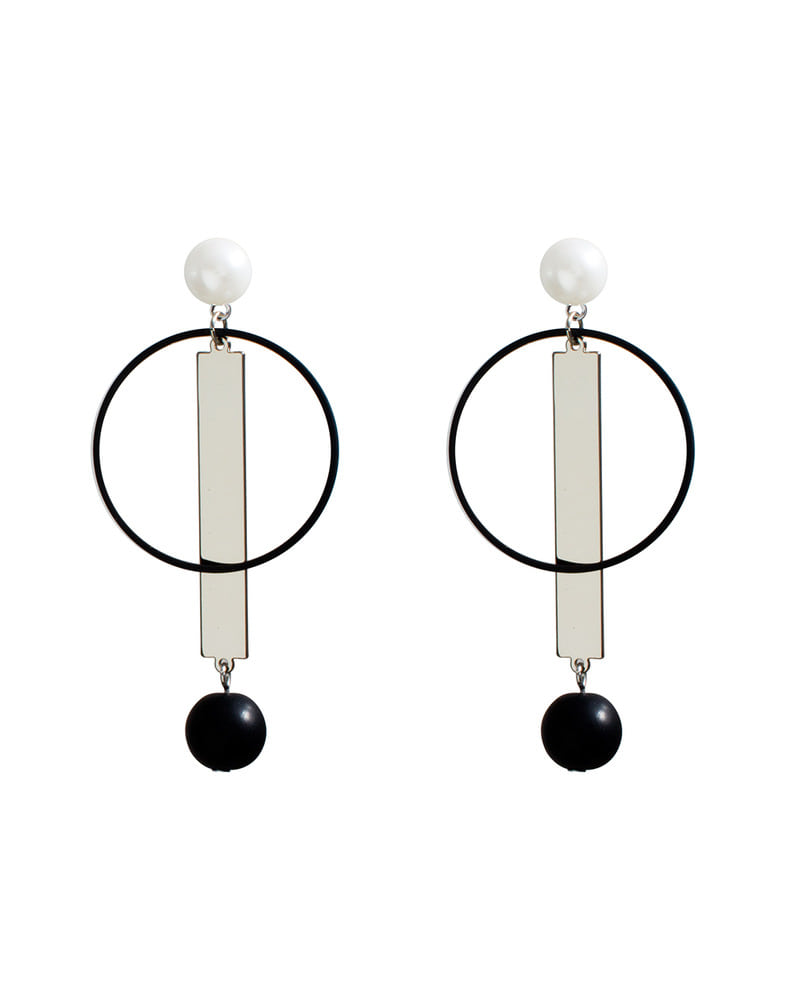 Simple circle bar drop earring
