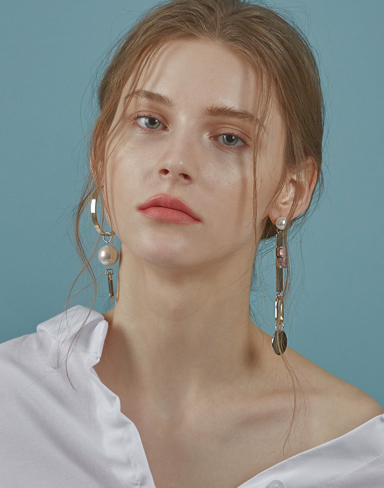 Unbalanced Ring Drop earring